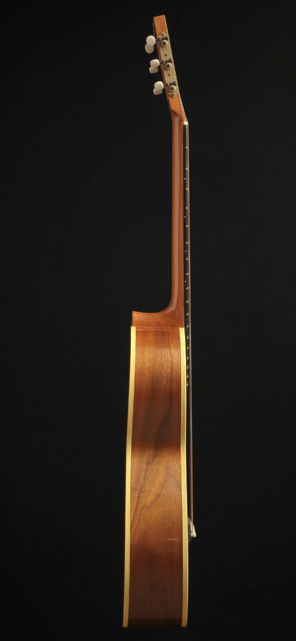 Walnut parlor sunburst guitar Wout Bosma guitars De Luthiers Dordrecht (4)