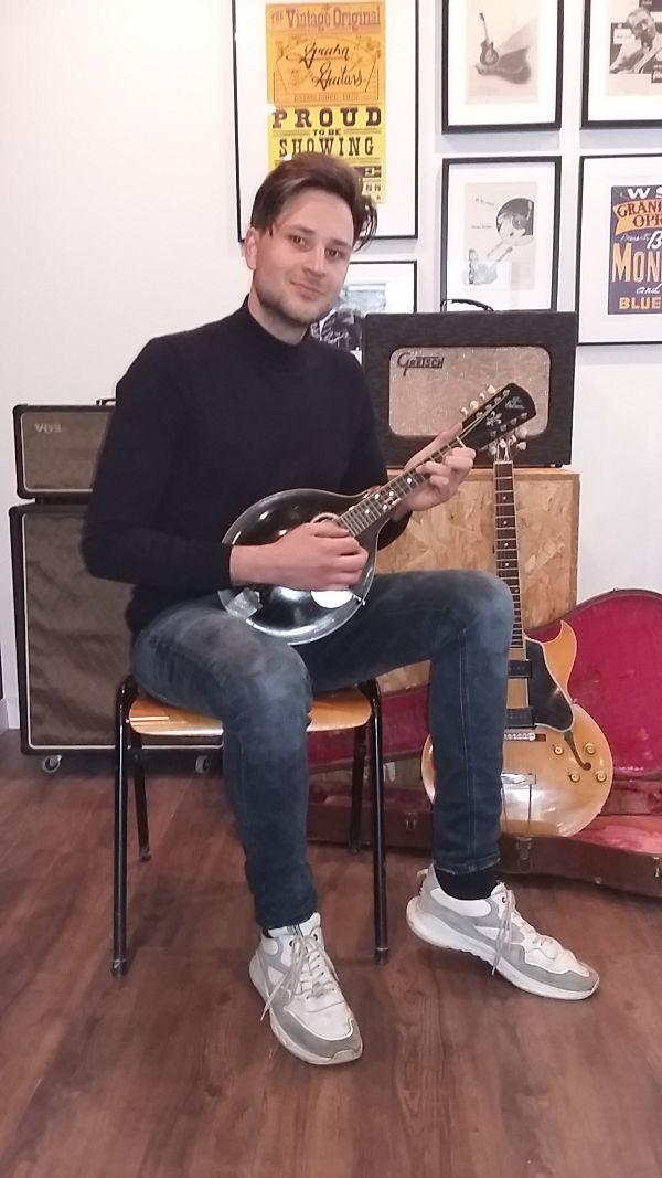 restauratie Gibson Mandoline 1911 The guitar company Wout Bosma Jazz-Guitar De Luthiers Dordrecht